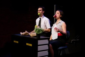 Jen Slaw & Michael Karas juggling and eating apples